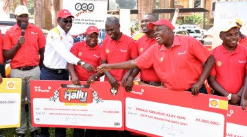Ronald ssebuguzi  receives the sh65m sponsorship from Shell V-Power. PHOTO BY Kinthan  Images